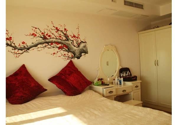 欧式床雕刻梅花图案